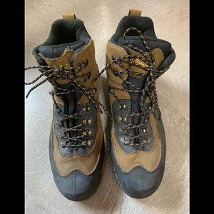 Cabelas boots size 14